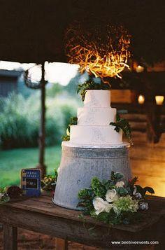 Rustic cake display on a galvanized bucket. Chic Wedding, Fall Wedding, Our Wedding, Dream Wedding, Wedding Stuff, Wedding Tips, Wedding Reception, Wedding Photos, Wedding Bells