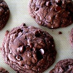 Cake Mix Cookies--4 Ingredients  I just made these with a dark chocolate mix, toffee bits and walnuts--Decadent!