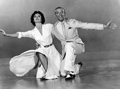 FOTOS EN BLANCO Y NEGRO: Fred Astaire y Cyd Charisse