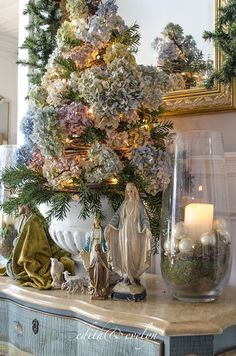 a casual chic french christmas tour - French Style Christmas Decorations