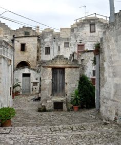 A Walking Tour Through the Sassi in Matera Italy