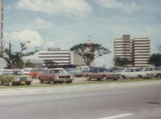 The photo is taken in 1973 from Makati Avenue (from where Manila Penn now stands) towards Ugarte Field (now Ayala Triangle). Buildings in the background from left are IBM, RCPI and the Dona Narcisa de Leon Building. News Around The World, Around The Worlds, Makati, Manila Philippines, Retro Pop, Pinoy, Cool Photos, Interesting Photos, Vintage Pictures