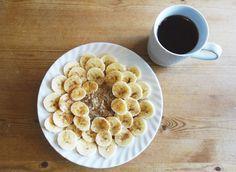 Banana oatmeal with english breakfast tea!  See the recipe here:  http://eatkindly.wordpress.com/2014/10/25/banana-oatmeal/