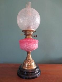 ANTIQUE-VICTORIAN-1870-FALKS-CRANBERRY-PINK-TABLE-OIL-LAMP-GLASS-GLOBE-SHADE