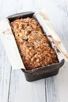 La ricetta per il banana bread con cioccolato e noci macadamia, soffice, umido, intenso, da provare!