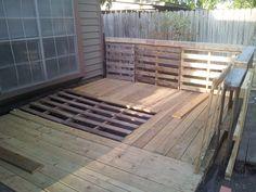 Pallet Garden Deck with railings