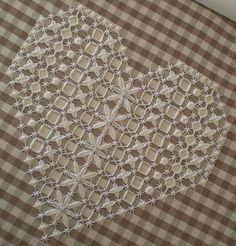 Вышивка Chicken scratch – уникальная техника, изобретённая специально для ткани в клеточку - Ярмарка Мастеров - ручная работа, handmade