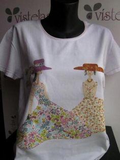 Camiseta de algodón, en color blanco, de manga corta y talla 3XL. El dibujo es una aplicación de patchwork, con telas de algodón de primera calidad. Esta camiseta se puede lavar en la lavadora, incluso en aguas templadas (40º). Las telas no destiñen. Girl Shirts, Shirts For Girls, Patch Aplique, Handmade Crafts, Embroidery Patterns, Patches, Quilting, Sewing, T Shirt
