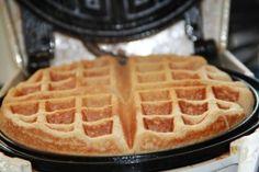 Oatmeal Waffles - Gluten Free via @cecyfencer