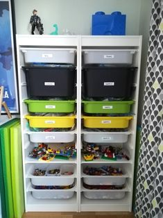 Lego organisering - läsartips Lego, Locker Storage, Kids Room, Ikea, Cabinet, Furniture, Home Decor, Toys, Hands