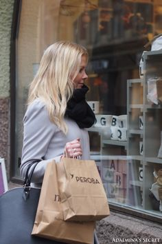 shopping Shopping Day, Shopping Spree, Window Shopping, A Perfect Day, City Girl, Chanel, In This Moment, Tote Bag, Lifestyle