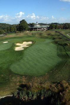 http://golf.about.com/od/golfcourespictures/ig/Valhalla-Golf-Club-Pictures/Valhalla-Golf-Club-Hole-18-B.htm