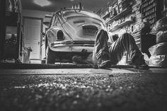#artigiani #salerno #lavoro  beetle-black-and-white-car-474-825x550
