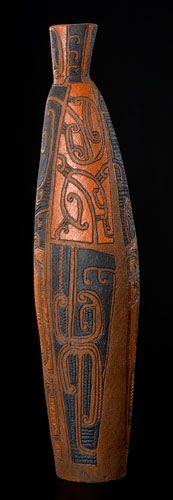 The vessel holds knowledge. Ceramic Art, Clay, Display, Artists, Maori, Pottery, Clays, Floor Space, Billboard