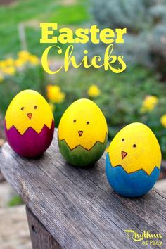 Kids love to find colorful Easter eggs, like this easy wooden egg decorating idea, in Easter Baskets and on Easter Egg Hunts. This spring chick wooden Easter egg craft is a fun and easy alternative to traditional Easter egg decorating. Art Projects For Teens, Easy Art Projects, Valentines Bricolage, Valentines Diy, Easter Crafts For Kids, Easter Ideas, Easter Art, Kids Diy, Easter Traditions
