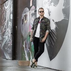 Happy Sunday! Enjoy your day.  #menswear #igers #bloggerlife #bloggerstyle #mnswr #dapper #fashiondaily #mensfashion #fashioninspo #instastyle #germanblog #streetstyle #mensfashionblogger_de #089 #munichblogger #model #malemodel #vienna #hamburg #stuttgart #nyc #london #berlin #köln #frankfurt #paris #ootd #outfit #fashion