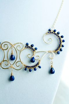 Hey, I found this really awesome Etsy listing at https://www.etsy.com/il-en/listing/196903117/blue-lapis-lazuli-wire-wrapped-statement