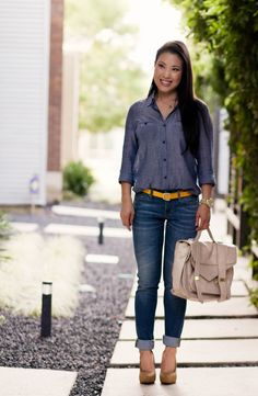Casual friday: chambray styling - cute & little dallas petit Womens Fashion Casual Summer, Womens Fashion For Work, Chambray, Classic Style Women, Casual Chic Style, Casual Fall, Casual Outfits, Night Outfits, Fall Outfits