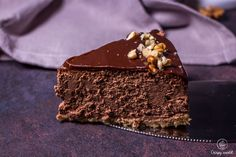 Čokoládový pečený cheesecake s orechami   CrispyWorld Cheesecake, Food, Cheesecakes, Essen, Meals, Yemek, Cherry Cheesecake Shooters, Eten
