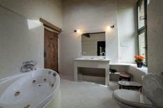 Bathroom. Depandance, Casa Telesforo, 8 people #historicresidence #villacentofinestre #destinazionemarche   www.villacentofinestre.com