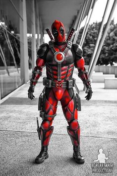 Character: Deadpool (Wade Wilson) / From: MARVEL Comics 'Deadpool' & 'X-Force' / Cosplayer: Dadpool Cosplay / Photo: Reagan Smash Productions