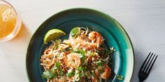 The Secrets and Recipe for Cooking 22-Minute Pad Thai at Home | Epicurious.com