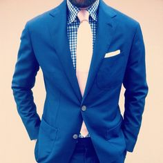 blue gingham style tie suit- I like Butch Fashion, Gents Fashion, Mens Fashion Suits, Look Fashion, Mens Suits, Man Fashion, Sharp Dressed Man, Well Dressed Men, Best Blue Suits