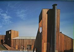 IL POSTMODERNO_Charles Moore Architecture Program, Amazing Architecture, Art And Architecture, Sea Ranch California, Northern California, Building Exterior, Building A House, University Of Idaho, Ranch Style