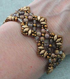 Linda's Crafty Inspirations: Bracelet of the Day: Flutter - Pale Purple & Gold