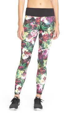 Beautiful floral prints add feminine appeal to these high-performance leggings made comfort during workouts.