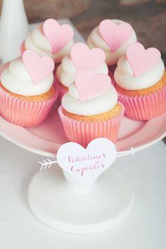 Valentines Cupcakes Création : LITTLE - Petits Gâteaux Crédit : Julie Marie Gene Gobelin Graphisme : Solenn As Sweet