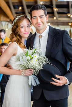A Country Wedding Starring Autumn Reeser And Jesse Metcalfe Actress Pinterest Hallmark Movies Movie Tvs