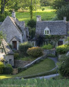 I want to stay in a cottage one day. Arlington Row - homes built for the local weavers, Bibury, Glocestershire, England. Stone Cottages, Cabins And Cottages, Stone Houses, Cotswold Cottages, Cottages England, Cozy Cottage, Cottage Homes, Cottage Style, French Cottage