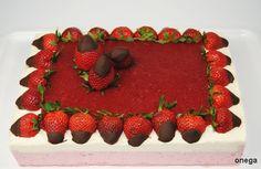 Recipe: Cake. Strawberry mousse and yogurt mousse.