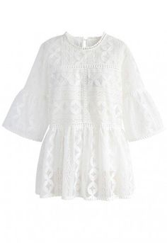 Summer's going to love you back in this loose-fitting dolly top with an eyelet lace design.  - Texture mesh organza finished - Embroidery pattern - Keyhole cutout with button to reverse - Bell sleeves - Lined - 100% Polyester - Hand wash cold  Size(cm)Length Bust Shoulder Sleeves S/M        66   104    40      35 L/XL        67    108    42      36 Size(inch)Length Bust Shoulder Sleeves S/M        26    41    15.5   ...