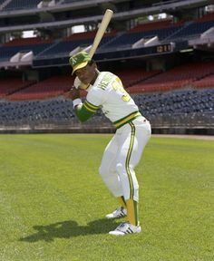Rickey Henderson, pictured here at the Oakland Coliseum in became arguably the greatest leadoff hitter in baseball history with the Oakland A's. (Doug McWilliams / National Baseball Hall of Fame Library) Baseball Records, Baseball Games, Baseball Jerseys, Baseball Players, Pirates Baseball, Pro Baseball, Baseball Training, Dodgers, National Baseball League