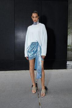 Vogue Fashion, Look Fashion, Runway Fashion, Fashion Outfits, Womens Fashion, Net Fashion, Young Fashion, China Fashion, Trendy Outfits