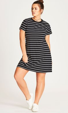 Plus Size Outfit styles can be soft and fluid. Striped Dress be quite harmonious appearance to your figure. If you will wear striped dress, you need consider this ideas. Plus Size Summer Outfit, Plus Size Summer Dresses, Summer Dress Outfits, Plus Size Outfits, Casual Dresses, Fall Dresses, Linen Dresses, Curvy Fashion, Look Fashion
