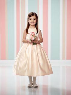 66cf1c4787e1 12 úžasných obrázků z nástěnky šaty pro děti