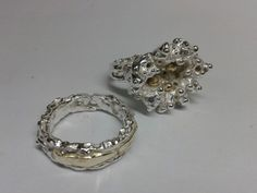 Trouw trouwringen met een herinnering van oud goud van dierbare!! By tilltil www.sierraadsels.nl