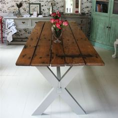 reclaimed door table #Artsandcrafts