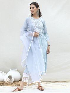 Suit Fashion, Fashion Beauty, Womens Fashion, Kurti Styles, Kurta With Pants, Dress Indian Style, Hippie Outfits, Leather Flats, Indian Fashion