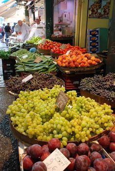 Fruit market in Thessaloniki town, Macedonia, Greece Myconos, Patras, Greek Recipes, Greece Travel, Greek Islands, Crete, Fruits And Veggies, Farmers Market, Macedonia Greece