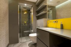 Yellow-Basement-Bathroom-Ideas-and-Design