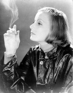 "Greta Garbo ""Anna Christie"" by Clarence Sinclair Bull, 1930 Hollywood Divas, Hollywood Cinema, Hollywood Icons, Golden Age Of Hollywood, Classic Hollywood, Old Hollywood, James Dean, Steve Jobs, Audrey Hepburn"