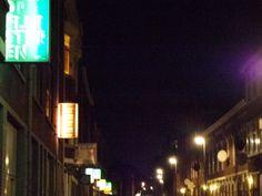 Wolphaerstraat by night