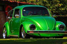 VW-Sedán-1994 (16) Vw Bugs, Volkswagen Bus, Vw Camper, Green Beetle, Bug Car, Custom Hot Wheels, Chevrolet Malibu, Cute Cars, Commercial Vehicle