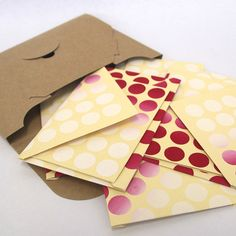 Set of 5 Envelopes and Cards - Raspberry Coulis spots