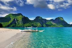 Helicopter Island, El Nido, Palawan, Philippines 2013 © Sabrina Iovino
