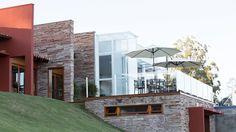 CASA CANYONS DO LAGO : Casas rústicas por Mutabile